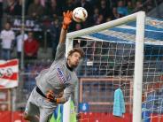 FC Augsburg: FCA bestätigt: Für Manninger kommt Luthe aus Bochum