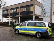 Mehr als 20 Tatverdächtige: Razzia gegen Dresden-Fans wegen Ausschreitungen in Karlsruhe