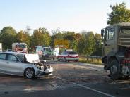 : Auto gerät in Gegenverkehr
