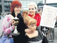 Frisurwettbewerb: Aichacherin flechtet sich aufs Treppchen