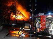 Aichach-Unterschneitbach: Großeinsatz: Landwirtschaftliche Maschinenhalle brennt nieder