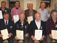 Versammlung: Kriegerverein segnet neues Leitheft ab