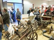 Aichacher Museumsnacht: Die alten Spritzen sind eine Attraktion