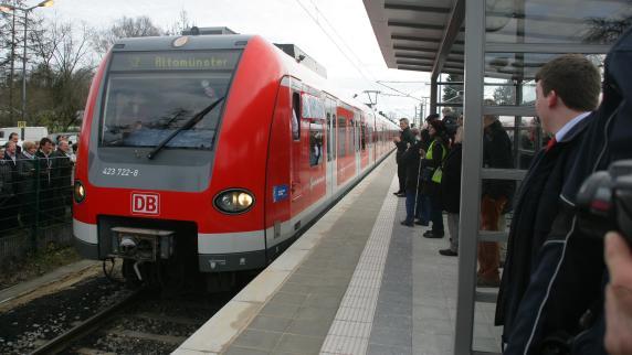 Verkehr : Erste S-Bahn fährt in Altomünster ein - Augsburger Allgemeine