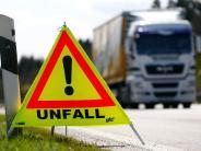 B17: Unfall auf der B17 legt Verkehr teilweise lahm
