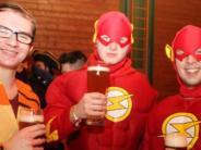 Ball in Baar: Besteck feiert mit Superman