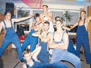 Veranstaltung: Die Männer zeigen nackte Haut beim Weiberfasching
