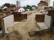 Bahnübergang Aichach: Bahnbrücke legt in drei Stunden elf Meter zurück