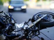 Dachau-Pellheim: 16-jähriger Motorradfahrer bei Unfall schwerst verletzt