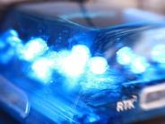 Polizei: Dieb montiert in Pöttmes Fahrzeugteile von Auto ab