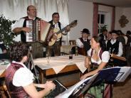 Hoagarten: Musik und Mundart sorgen für gute Stimmung im Saal