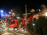 Aichach: Mann stirbt bei Feuer in Einfamilienhaus - Brandursache steht fest