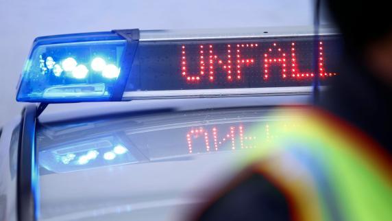 Zwei Verletzte bei Geisterfahrer-Unfall