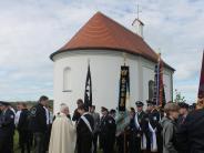Kirche: Bischof segnet die wiederhergestellte Salzbergkapelle bei Affing