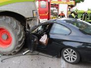 Polizei: BMW prallt bei Petersdorf in Grashäcksler