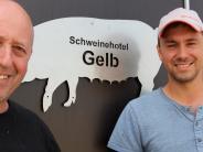 Merching-Steinach: Zweimal täglich Strohregen für die Schweine