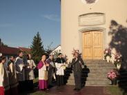 Pöttmes: Bischof Zdarsa segnet renovierte14-Nothelferkapelle in Pöttmes