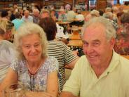 Seniorennachmittag: Senioren feiern auf Aichacher Volksfest