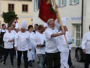 Festlichkeit: Im Wittelsbacher Land gehören Kirche und Wirtshaus zusammen