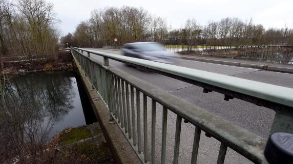 Kreis Augsburg: Lechbrücken-Sperrung - Wirtschaft warnt vor Millionenschaden