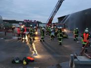 Dasing/Friedberg: Wenn ein Stadel abbrennt: Großübung mehrerer Feuerwehren