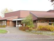 Kirche: Das Pfarrhausdach ist schon fertig