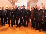 Auszeichnung: Landrat ehrt aktive Feuerwehrmänner im LandkreisAichach-Friedberg