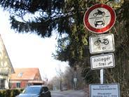 Gemeinderat Affing: Mühlhauser notieren sich die Kennzeichen