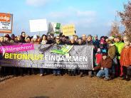 Demo: Rund 100 Menschen demonstrieren gegen Industriegebiet in Mering