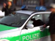 Polizei: Auto überschlägt sich bei Sielenbach im Acker