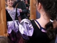 Aktion HoffnungHoffnung: Faschingskleidung kaufen und Kindern helfen