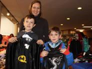 Aichach: Faschingsmarkt: Wo Batman auf Piloten und Drachen trifft