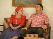 Theaterpremiere:  Auf Brautschau im Irrenhaus