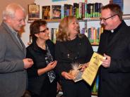 Bücherei: 350 Leserausweise und 100 neue Medien