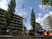 : Maibaum und Hochhäuser – passt das zusammen?