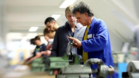 Austausch: Der Kampf um die künftigen Köpfe im Betrieb - Augsburger Allgemeine