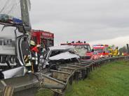 Landkreis Augsburg: 71-jährige Frau stirbt bei Autounfall