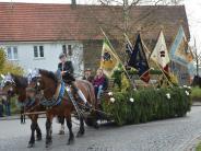 Balzhausen: Stelldichein von Reitern und Kutschen
