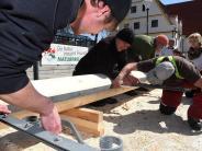Landkreis Augsburg: So wird der Start in den Mai gefeiert
