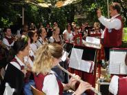 Gartenfest: Ein Konzert unterm Tarnzelt