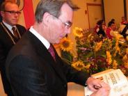 Langweid: Weggefährtenlassen Karl-Heinz Jahn hochleben
