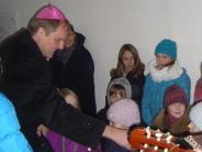 Neusäß: Weihbischof trifft 28 Gruppen in Hainhofen