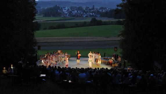 Diedorf: Friedensstück auf der Waldbühne
