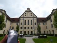 Allmannshofen: Handy raus und rein in die Klosteranlage