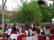 Fest: Blasmusik unter Apfelbäumen