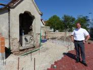 Westendorf: Kirchhof bekommt einen Ruheplatz mit Brunnen