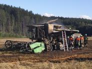 Feigenhofen: Mähdrescher fängt Feuer
