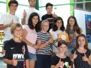 Ustersbach: Jugend fühlt Politikern auf den Zahn