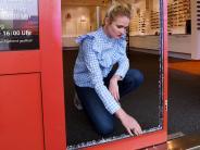 Stadtbergen: Unbekannte brechen zum dritten Mal in Brillengeschäft ein