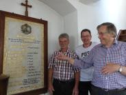 Allmannshofen: Freude über die renovierte Gedächtnistafel